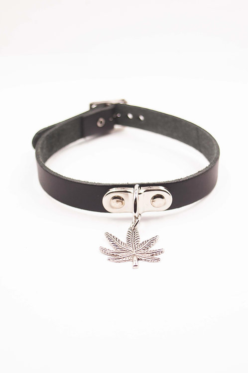 BLACK WEED LEAF CHOKER