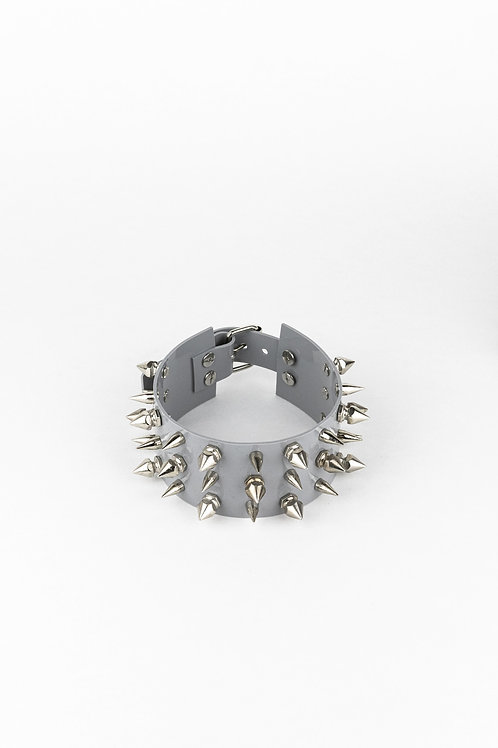 LUI TRASH THREE ROW SPIKE CHOKER GREY