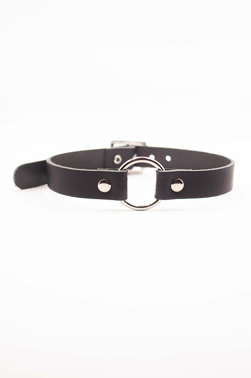BLACK CHOKER WITH RING