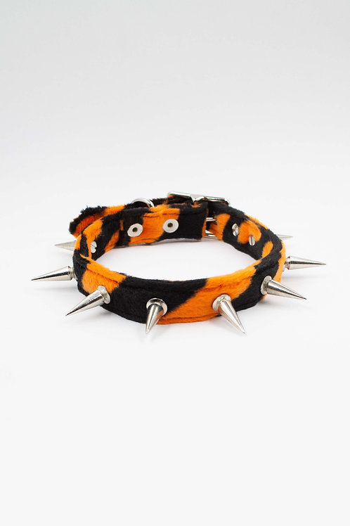 INDYANNA X APOCALYPTIC LOVESTORY ORANGE TIGER CHOKER
