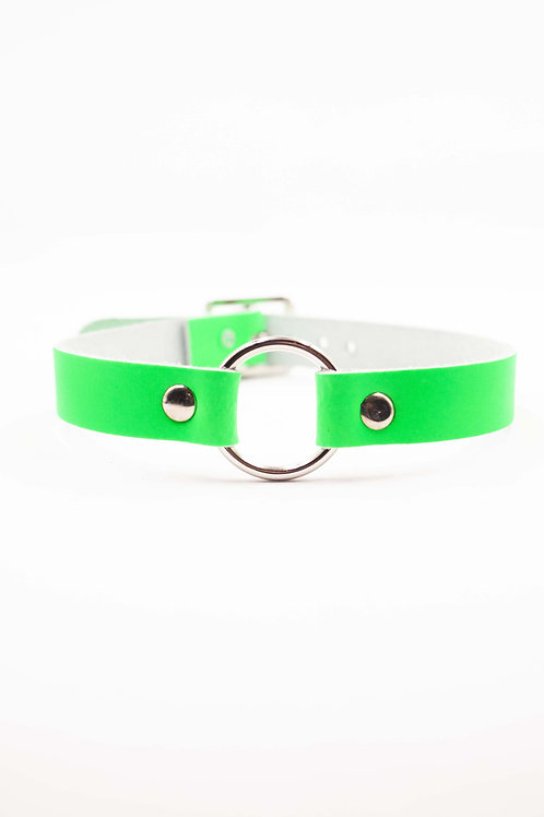 GREEN CHOKER WITH RING