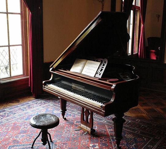 piano-601386_640.jpg