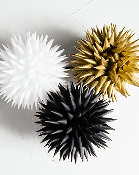 Jezyki Black, White and Gold Trio Ornaments
