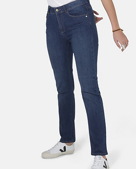 Adored Boutique Slim Fit Denim Jeans Ethically-Made. https://www.adoredboutique.com/collections/bottoms/products/emilyslimfitdenim