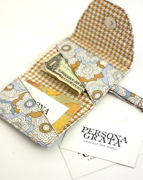 Persona Grata Goods wanderer wallet. Handmade by refugee moms. http://personagratagoods.com/product-category/bags/