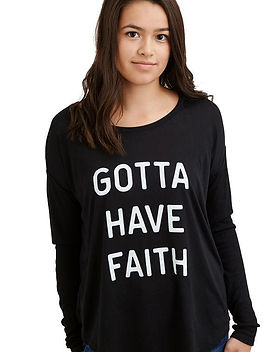 Hope Outfitters T-Shirt Gotta Have Faith  https://www.hopeoutfitters.com/collections/women/products/gotta-have-faith-flowy-long-sleeve-tee?variant=48612155668