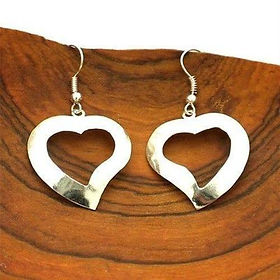 The Village Country Store Silver Heart Earrings. Handmade and fair trade https://www.thevillagecountrystore.com/collections/jewelry