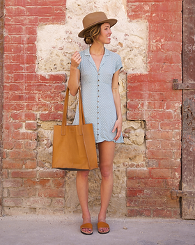 Deux Mains Classic City Tote. Sustainably made from responsibly sourced leather.