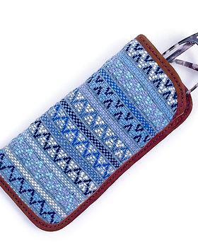 Mayan Hands eyeglasses case. Handwoven and fair trade. https://www.mayanhands.org/collections/small-accessories