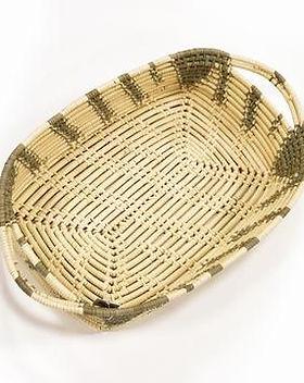 HUGG Mission Market casserole basket. Handwoven in Haiti. https://huggmissionmarket.org/collections/home-collection/products/casserole-basket