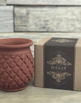Shop With a Mission fair trade candles and candle holders that support the Dalit people in India. https://shopwithamission.com/search?q=candle
