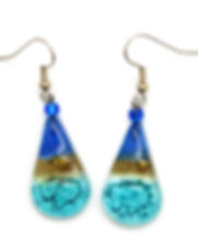 Dunitz and Company teardrop earrings. http://www.dunitzfairtrade.com/2019/04/11-fair-trade-gifts-for-mothers-day.html
