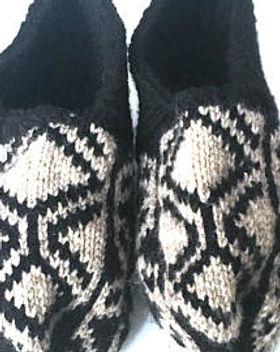 Azerbaijani Men's Slipper Socks. Ethically handmade. https://www.etsy.com/shop/AzerbaijaniSocks?section_id=21827652