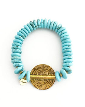 Beljoy Buchele bracelet. Ethically made in Haiti. https://beljoyhaiti.com/collections/all