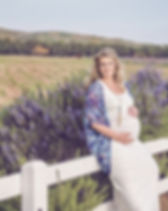 Pregnant Woman: Ethical Maternity Guide from Fairly Southern https://fairlysouthern.com/ethical-sustainable-maternity-fashion-with-poshmark-stylist-christie-barker