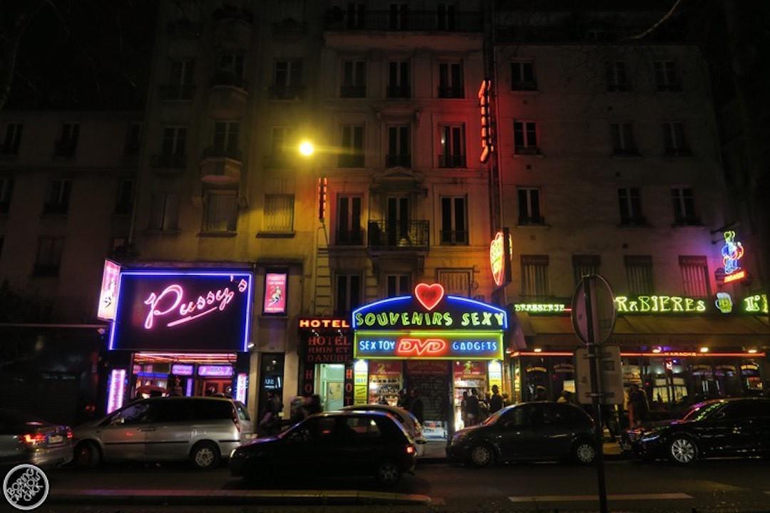 Pigalle-Red-Light-District-Paris-Boring-