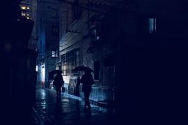 cold_wet_rain_mystery_night_umbrella_nik