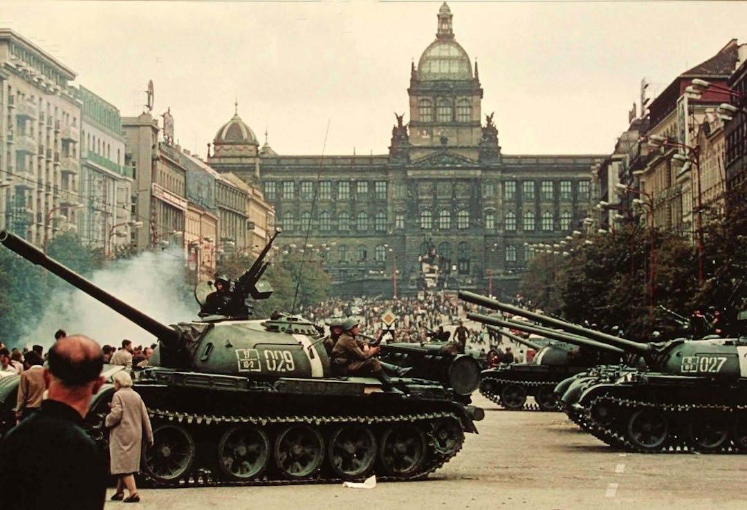1696650-44803-1968---czechoslovakia--34-