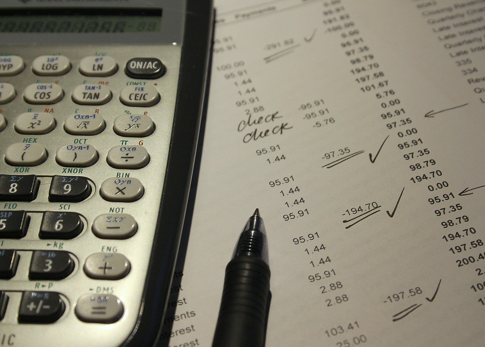 Nagy eltérések vannak a banki szolgáltatások között, céges szinten milliós is lehet a különbség évente.