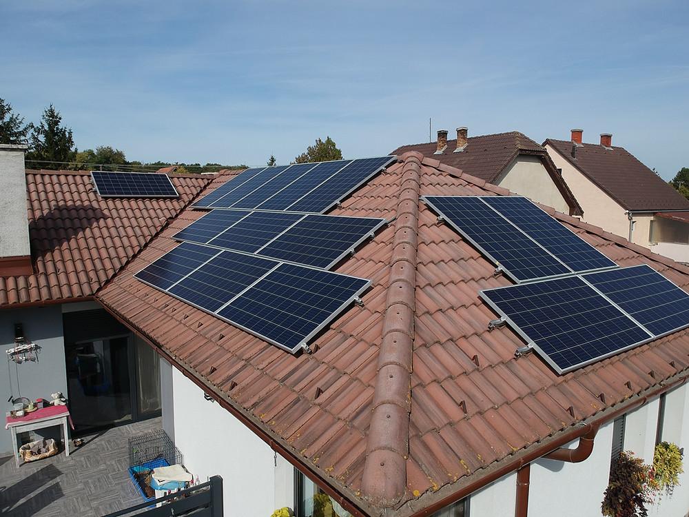 A napelemek telepítésére vonatkozó változás jelentősen befolyásolja a hazai napenergiapiac helyzetét 2021. június 30-tól