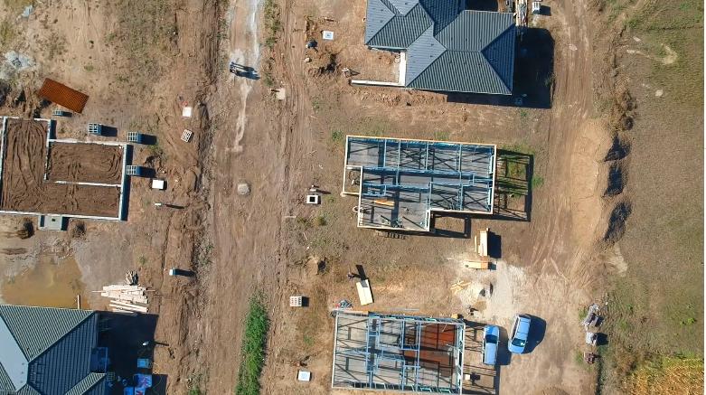 Drónfelvétel Nagyszentjánoson, az Erdőszél lakópark beruházásról