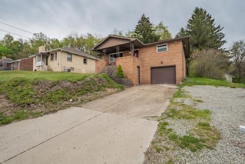 55 Millersdale Rd, Jeanette, PA 15644-25