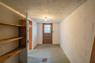 55 Millersdale Rd, Jeanette, PA 15644-8.