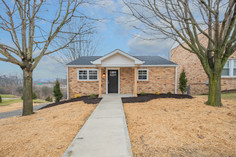 550 Chesnic Dr, Canonsburg, PA 15317-18.