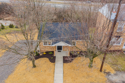 550 Chesnic Dr, Canonsburg, PA 15317-34.