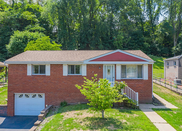 468 Crestview DrPittsburgh, PA 15239