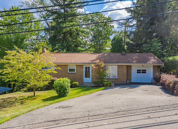2546 Mohawk St, White Oak, PA 15131