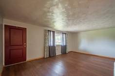 55 Millersdale Rd, Jeanette, PA 15644-2_