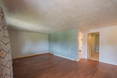 55 Millersdale Rd, Jeanette, PA 15644-1_