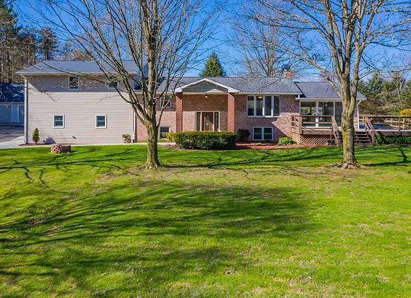 539 Brigich Rd, Canonsburg, PA 15317