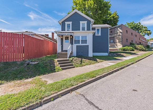 832 Sidney St, Greensburg, PA 15601