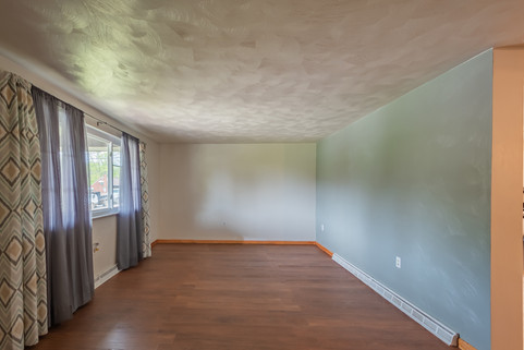 55 Millersdale Rd, Jeanette, PA 15644-5_