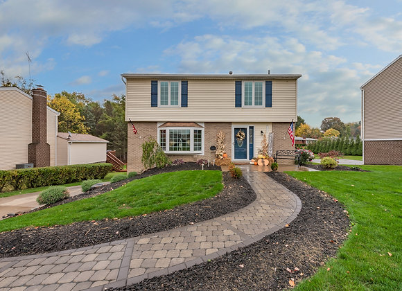 1115 Crestwood dr, irwin pa