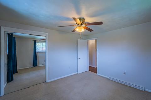 55 Millersdale Rd, Jeanette, PA 15644-4.
