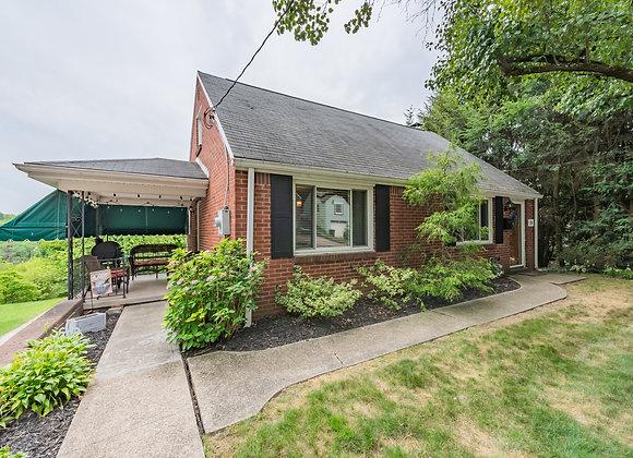 20 Glenview Ave, Greensburg, PA 15601