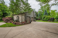 273 red oak dr, pittsburgh, pa 15239-16.