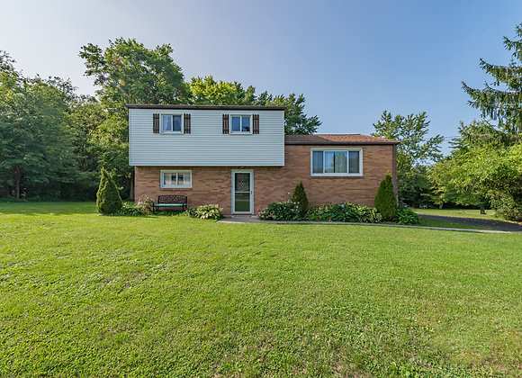 121 Heather Dr, Derry, PA 15627