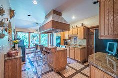 273 red oak dr, pittsburgh, pa 15239-40.