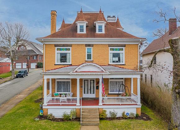 130 N 2nd St Jeannette, PA 15644