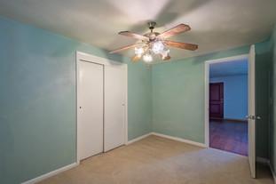 55 Millersdale Rd, Jeanette, PA 15644-7_