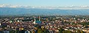 Vicenza_da_Monte_Berico,_ottobre_2013.jp