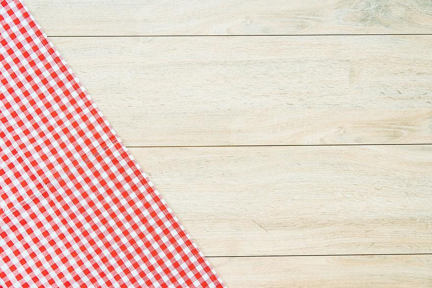 kitchen-cloth-wood-table.jpg