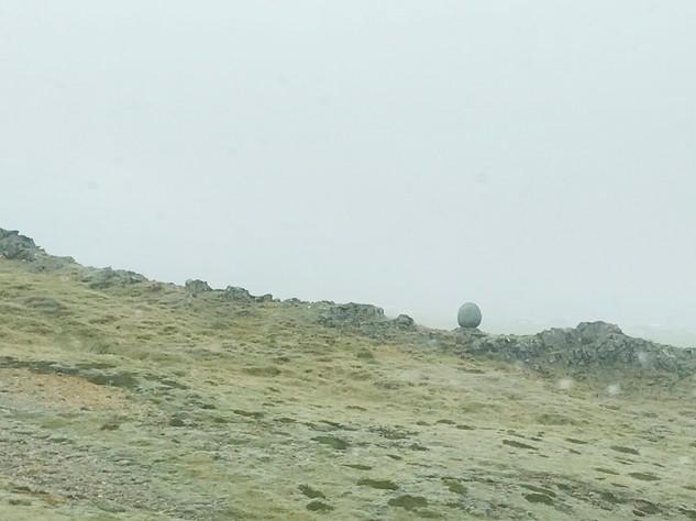 巨石.jpg