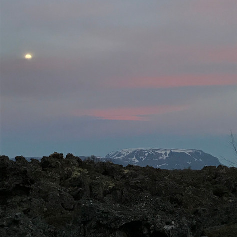 山と月.jpg