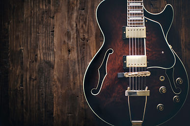 Guitarra elétrica semi oca