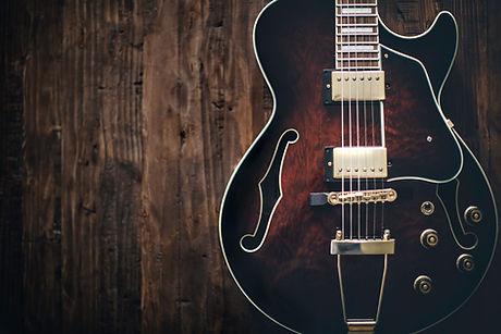 Semi hueco de la guitarra eléctrica